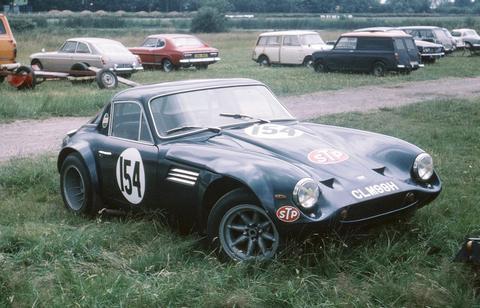 Dunc6001's car
