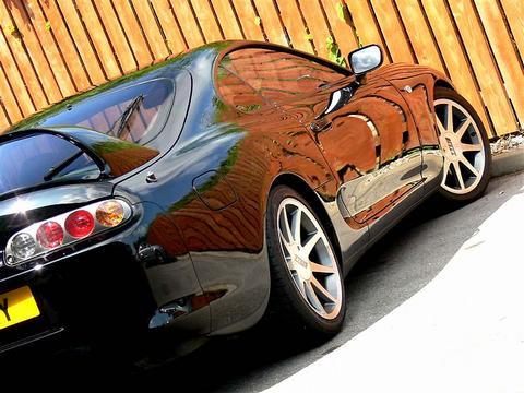 thetapeworm's car