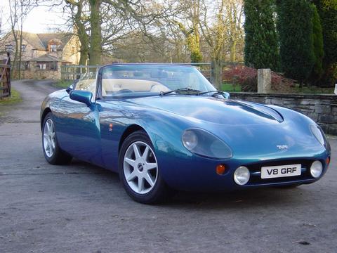 V8 GRF's car