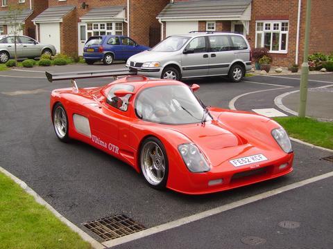 Gulf LS3's car