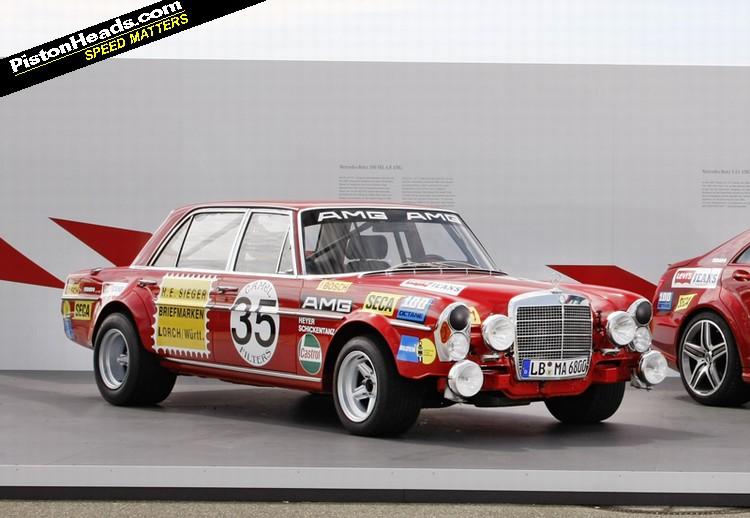 1971 Mercedes 300 SEL 6.8 AMG (Red Pig)