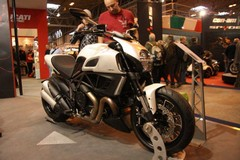 Ducati: Diavel