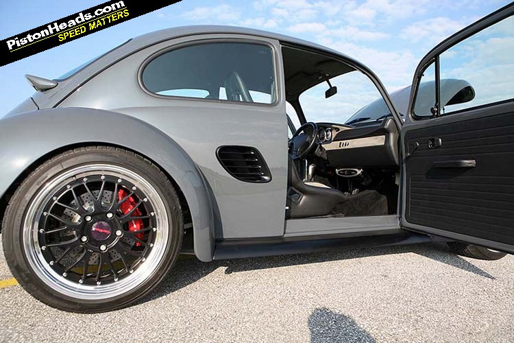croisement entre une cox et une porsche boxster forum new beetle coccinelle. Black Bedroom Furniture Sets. Home Design Ideas