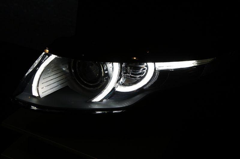 Evoque headlamp graphic