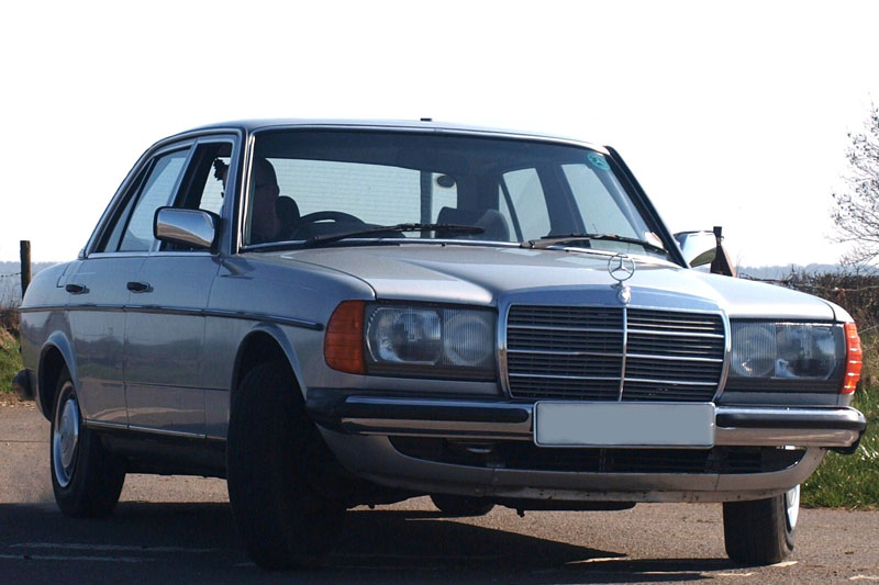 Driven: Mercedes W123  With An S-Class V8    | PistonHeads