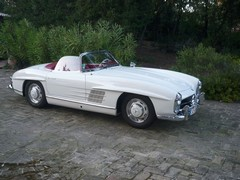 M-B Gullwing (you know what we mean) roadster - topical!