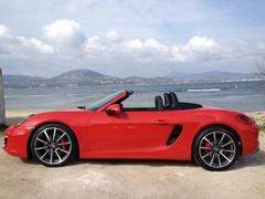 Longer wheelbase, shorter overhangs - good