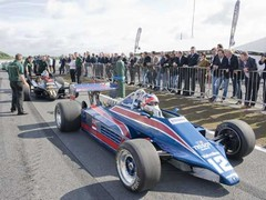 Mansell led the cavalcade in his 81B
