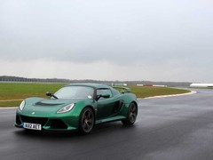 Even in these conditions the Exige works