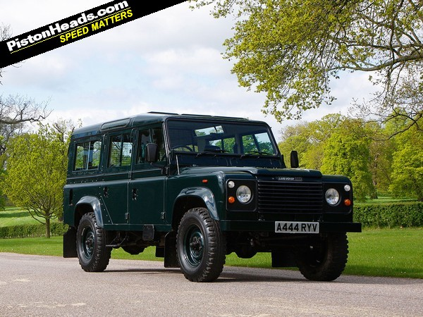 Driving the Queen's V8 Land Rover   PistonHeads