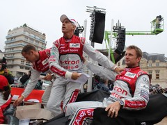 Kristensen, Capello and McNish meet the crowds