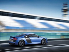 R8 V10 Plus brings 550hp and extra carbon