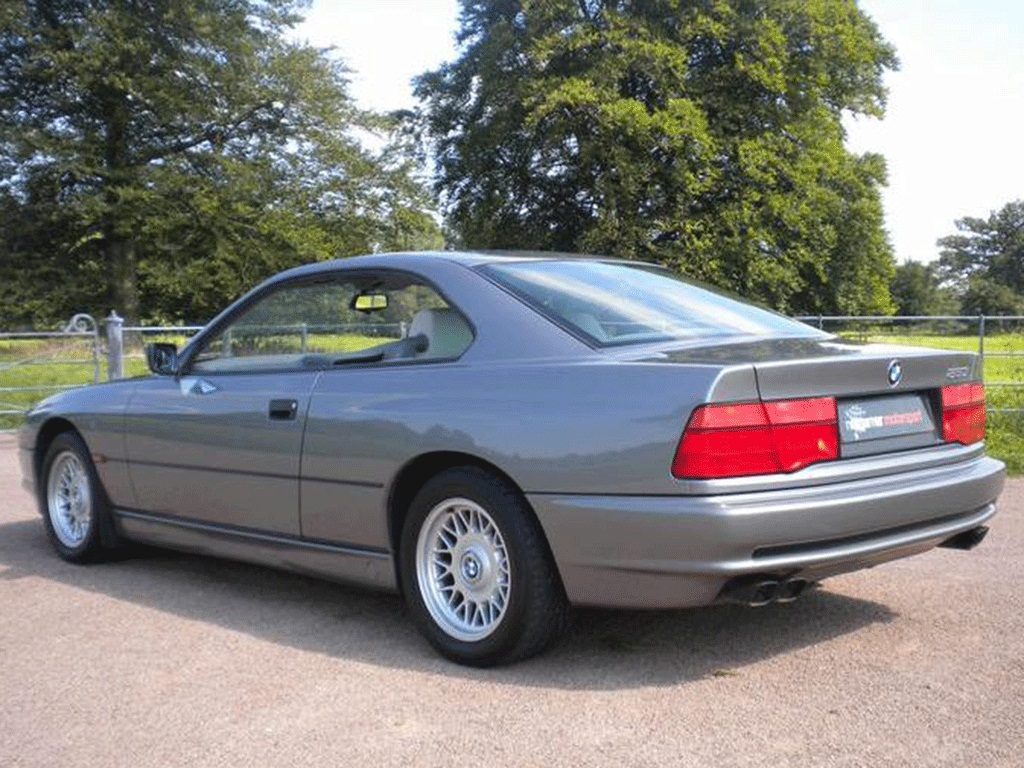 Spotted: BMW 850i   PistonHeads