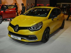 New Clio looks the part on the show floor