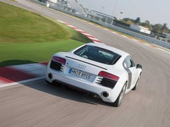 V8 R8 compares well with Carrera 4 S