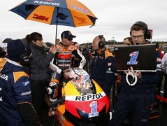 Stoner prepares for his last MotoGP race