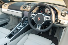 New interior clearly Panamera-inspired