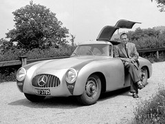 Legendary engineer Uhlenhaut with 300SL