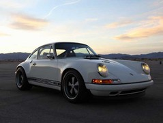 All the best bits of the 911, wrapped up in one