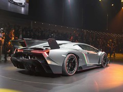 Veneno wears its aero influence on its sleeve