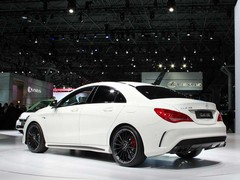 One exhaust pipe per cylinder for CLA45