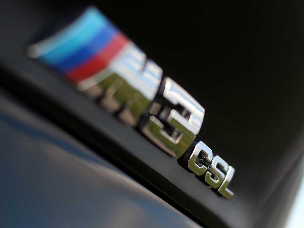 Legendary badge, legendary car