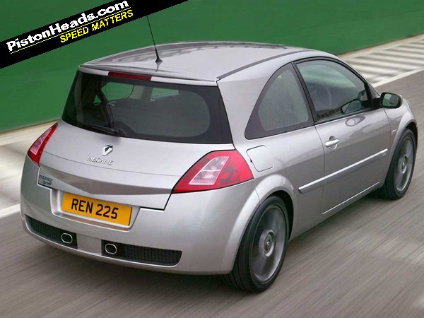 The Second Generation X84 Renault Megane May Have Been Launched As Shakin Its But Original Renaultsport Hot Hatch Version Was Very Far From