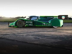 Drayson is a Lola B10/60, up to the rear bulkhead