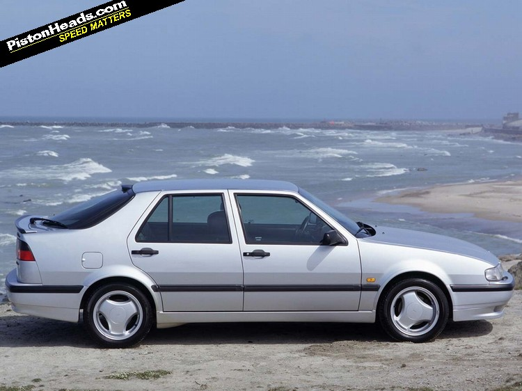 saab 9000 aero catch it while you can pistonheads. Black Bedroom Furniture Sets. Home Design Ideas