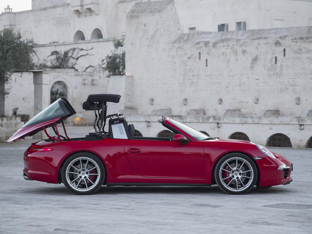 Porsche 911 targa review pistonheads roof needs 19 seconds to do its thing sciox Image collections