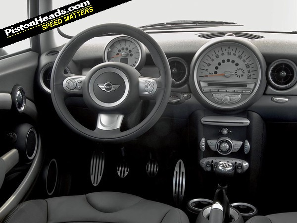 Re mini cooper s r53 ph buying guide page 1 for Mini cooper s interieur