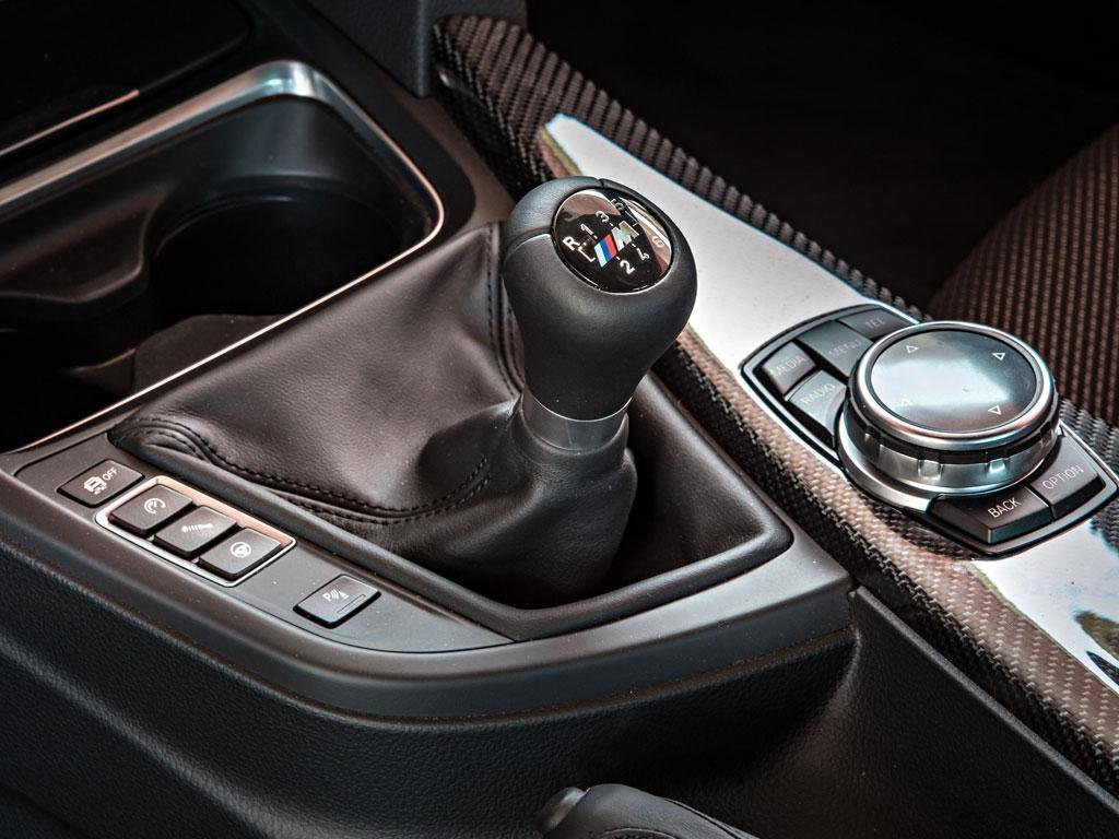 Manual gearbox for the hardcore; DCT better