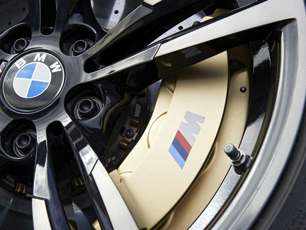 Ceramic brakes for the first time on an M3