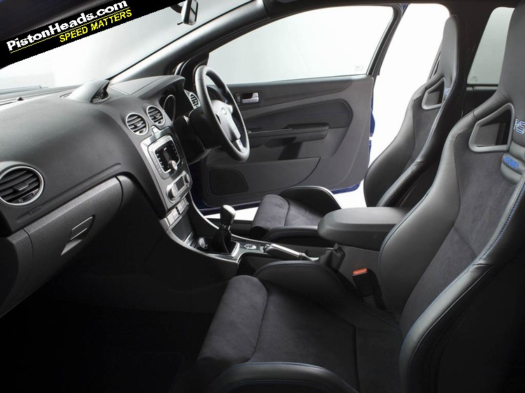 ford focus rs mk2 buying guide interior pistonheads. Black Bedroom Furniture Sets. Home Design Ideas