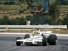 Fittipaldi's Brabham laying down rubber in '73