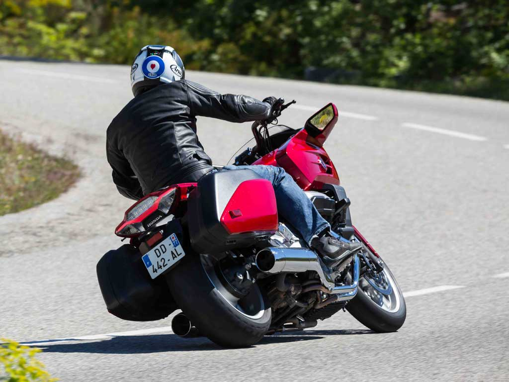 Honda Ctx1300 Ph2 Review Pistonheads