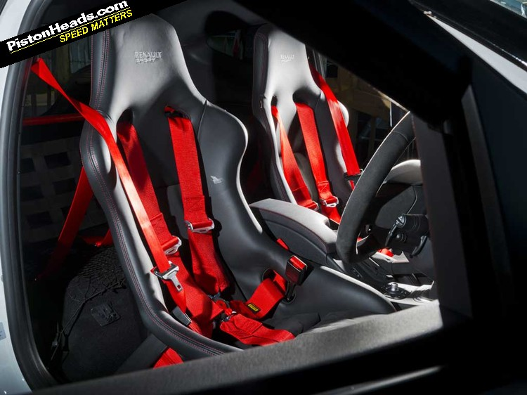 megane renaultsport 275 trophy r review pistonheads. Black Bedroom Furniture Sets. Home Design Ideas
