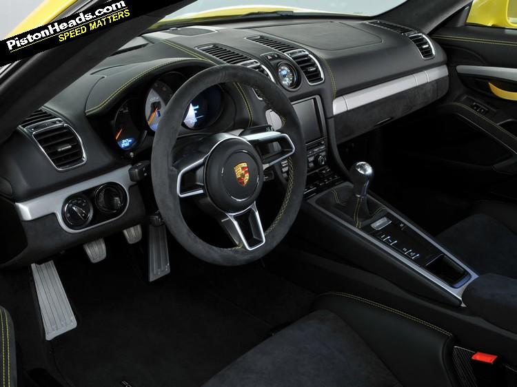 Porsche_CaymanGT4_02-L