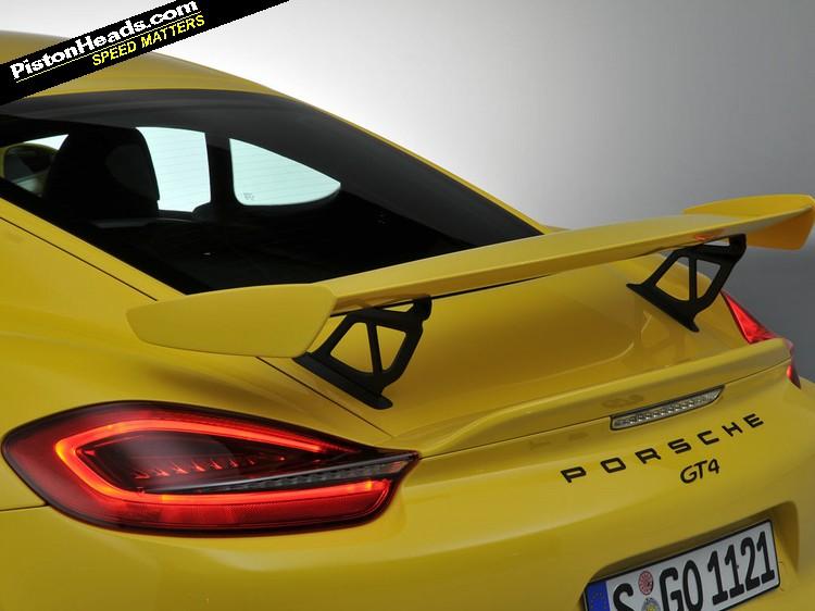 Porsche_CaymanGT4_03-L