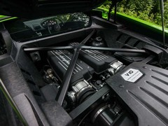 Normally aspirated V10 a proper stand-out feature