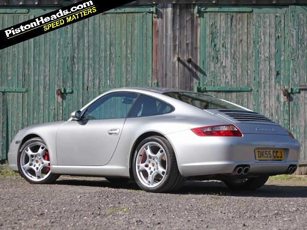 99ebdd3cb05 The 997 is the most commercially successful of Porsche s 911 family. That s  good news for Porsche and equally welcome for anyone looking to buy this ...