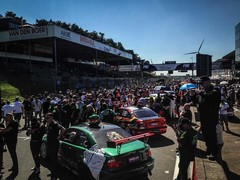Over 60 cars on the grid