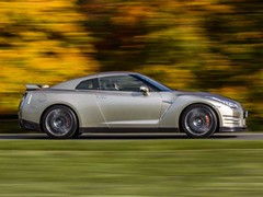 World goes blurry very fast in a GT-R
