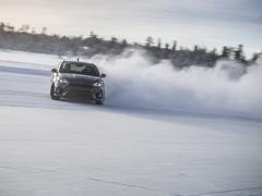 Focus RS in 'fun on ice' shocker