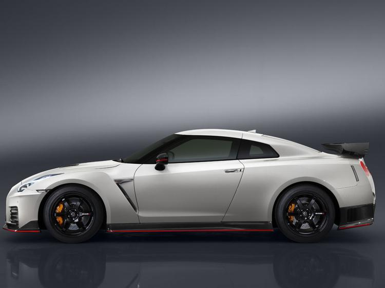 my2017 r35 gt r nismo available to order next week gt r register nissan skyline and gt r. Black Bedroom Furniture Sets. Home Design Ideas
