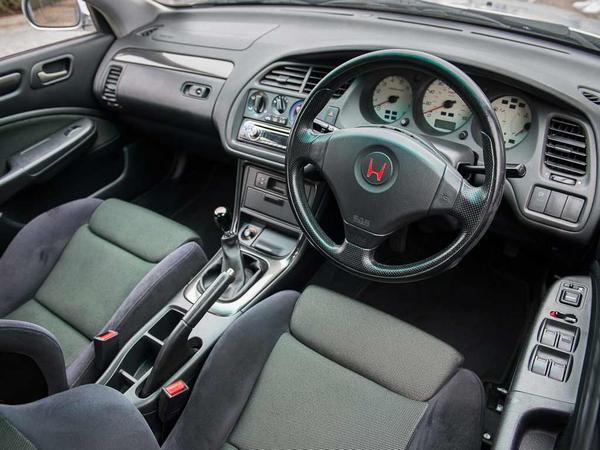 Honda accord type r buying guide interior pistonheads for Honda type r interior